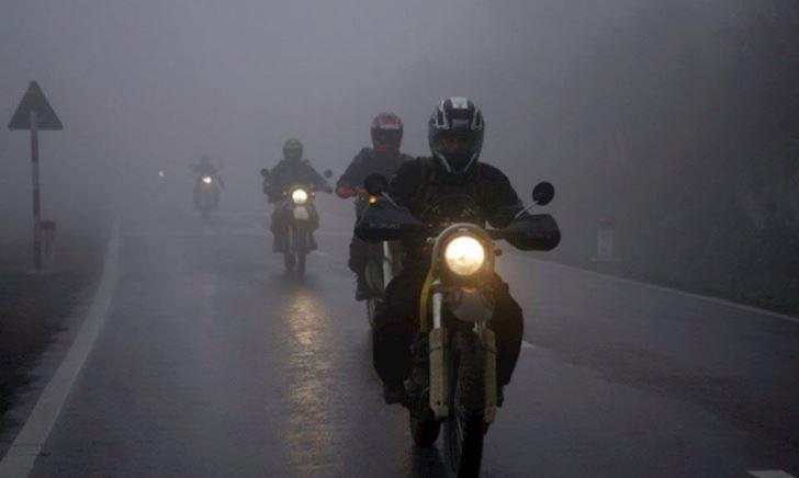 Chia sẻ cho anh em vài kinh nghiệm chạy xe máy đường đèo lúc có sương mù