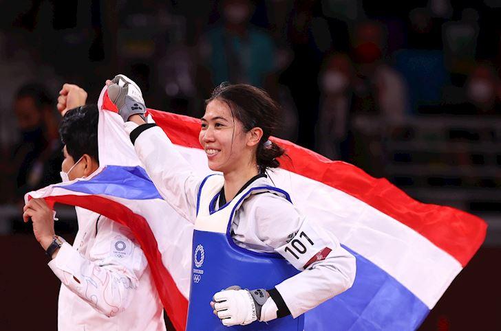 CDV-Dong-Nam-A-ca-khia-Viet-Nam-trang-tay-tai-Olympic-1