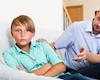 Những ông bố nghèo EQ khiến con bất hạnh và thiếu tự tin