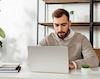 17 bài tập ngay tại bàn làm việc cho nam giới bận rộn (Phần 1)