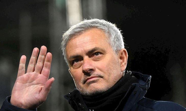 Mourinho thống trị những HLV đốt tiền giỏi nhất lịch sử