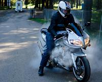 Lý do và cách xử lý khi xe mô tô bị tắt máy vì quá nóng