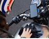 Apple đưa ra cảnh báo gắn iPhone lên xe máy hoặc xe đạp có thể làm hỏng camera