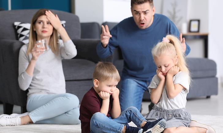 4 việc bố cần làm khi trẻ đang tức giận