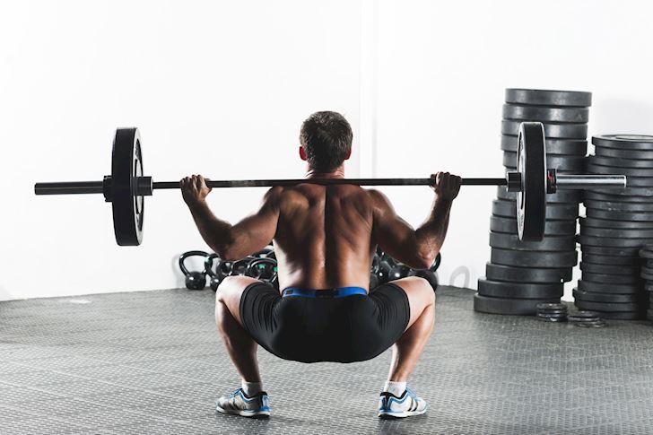 neu-chi-duoc-chon-mot-nen-tap-front-squat-hay-back-squat2