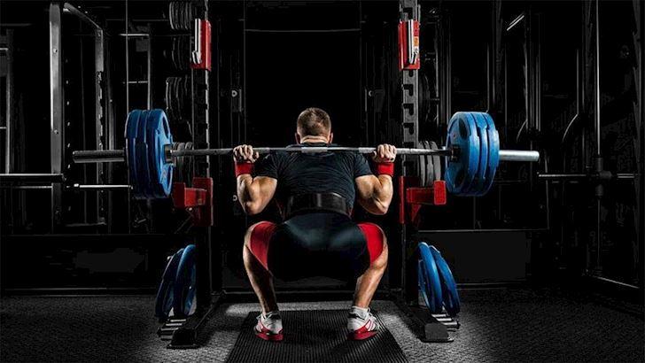 neu-chi-duoc-chon-mot-nen-tap-front-squat-hay-back-squat4