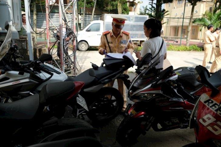 hoang duong chuyen csgt khong bat duoc xe mo to pkl 4