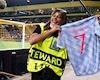 """Nữ nhân viên bị Ronaldo sút trúng đầu: """"Tôi tưởng mình đã lên thiên đàng"""""""