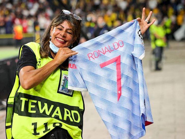 Nu-nhan-vien-bi-Ronaldo-sut-trung-dau-Toi-tuong-minh-da-len-thien-dang-2
