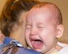 Các ông bố lưu ý, 5 lợi ích của việc con hay khóc nhè