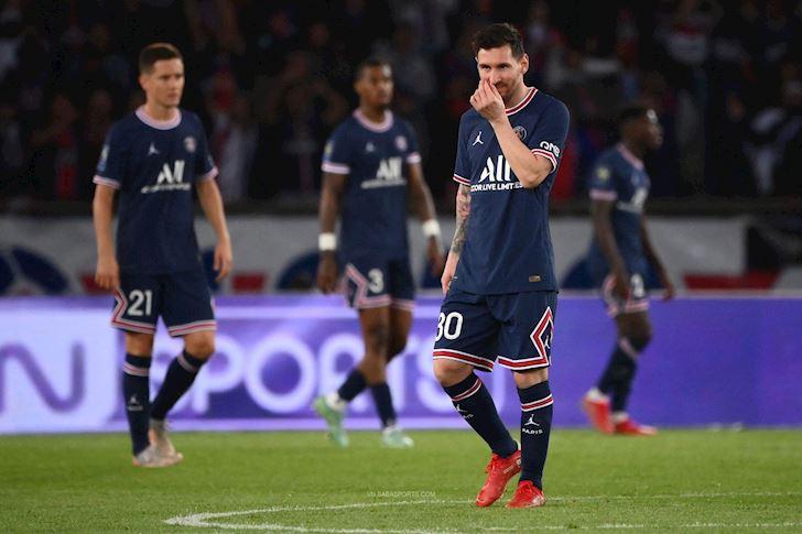 Rac-roi-dau-tien-tai-PSG-Messi-cau-co-tu-choi-bat-tay-Pochettino-3