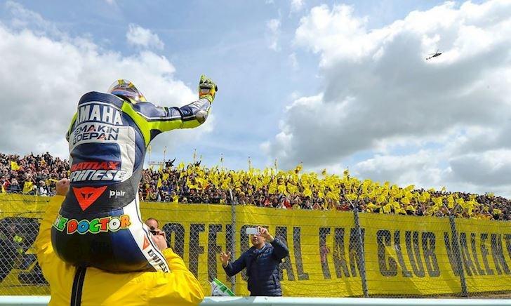 Nghe tin Valentino Rossi giải nghệ, đường đua MotoGP cháy vé